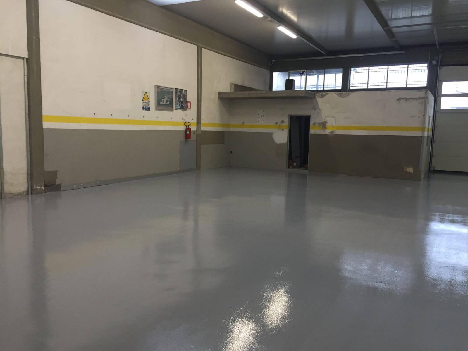 pavimento in resina capannone