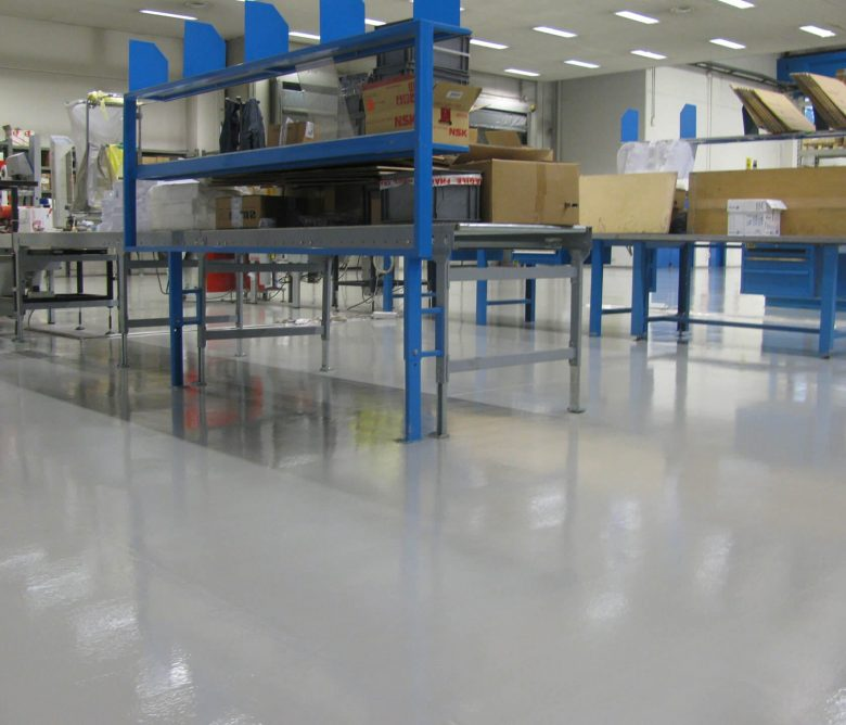 verniciatura pavimento in resina