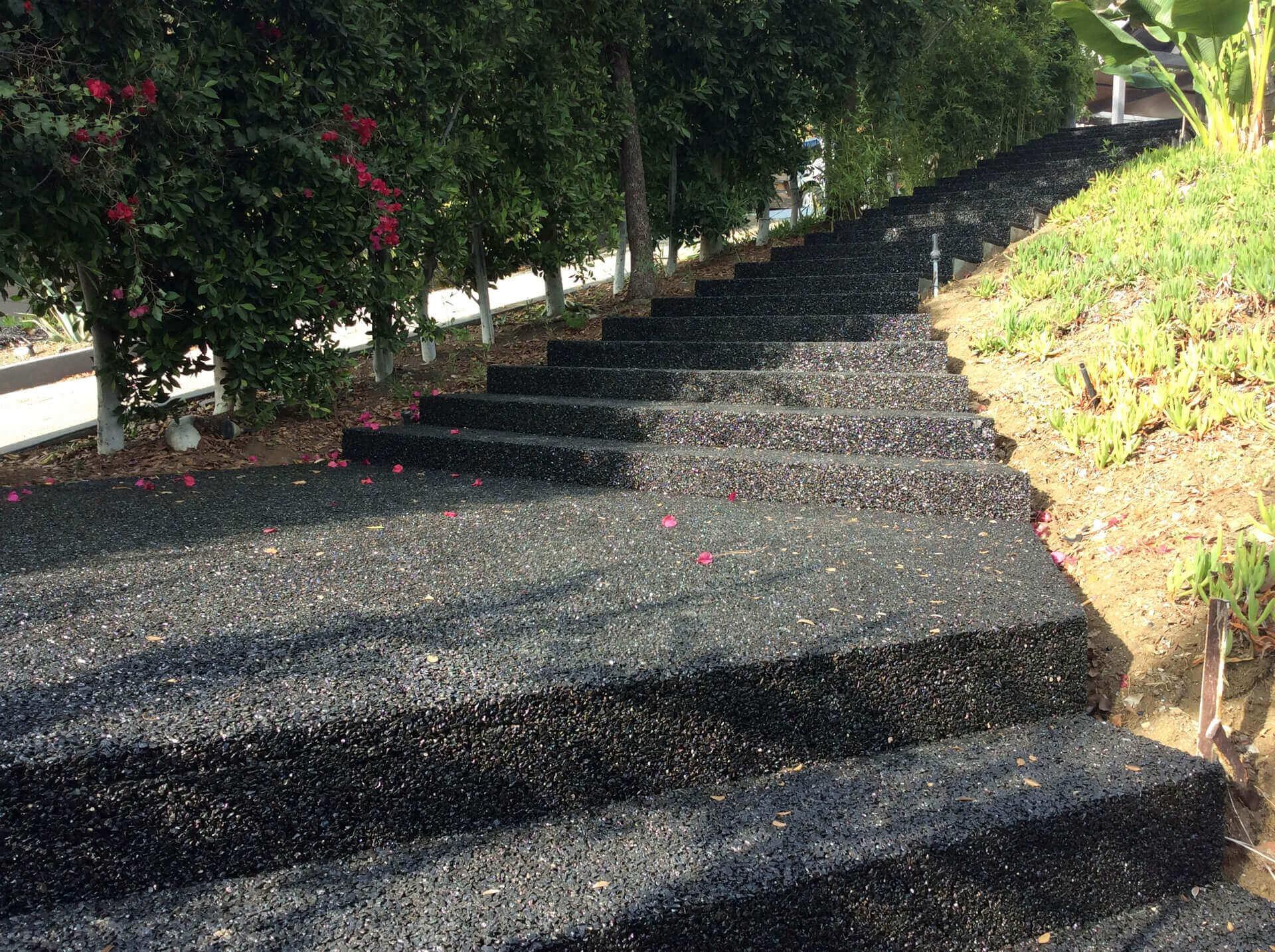 pavimentazione esterna con dry stone per scala esterna