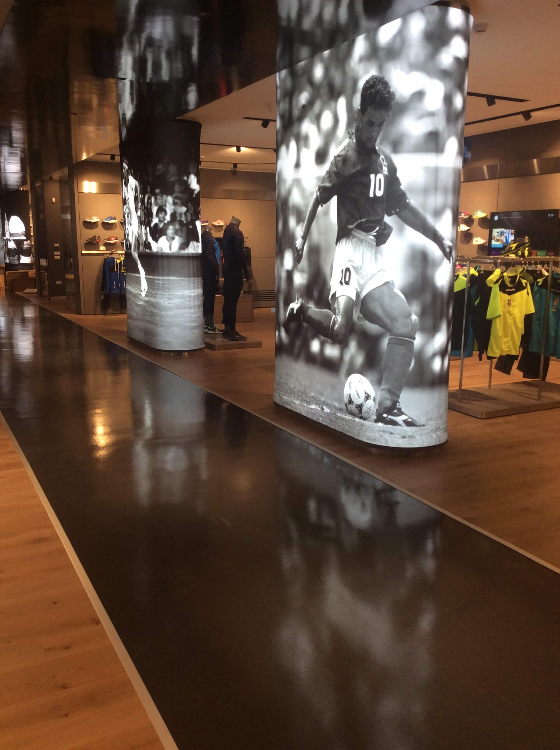 pavimento in resina in un negozio di abbigliamento